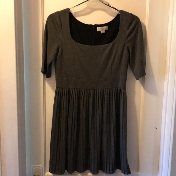 Jessica Simpson Dresses & Skirts - Dark gray crinkle cotton dress with semi sleeves